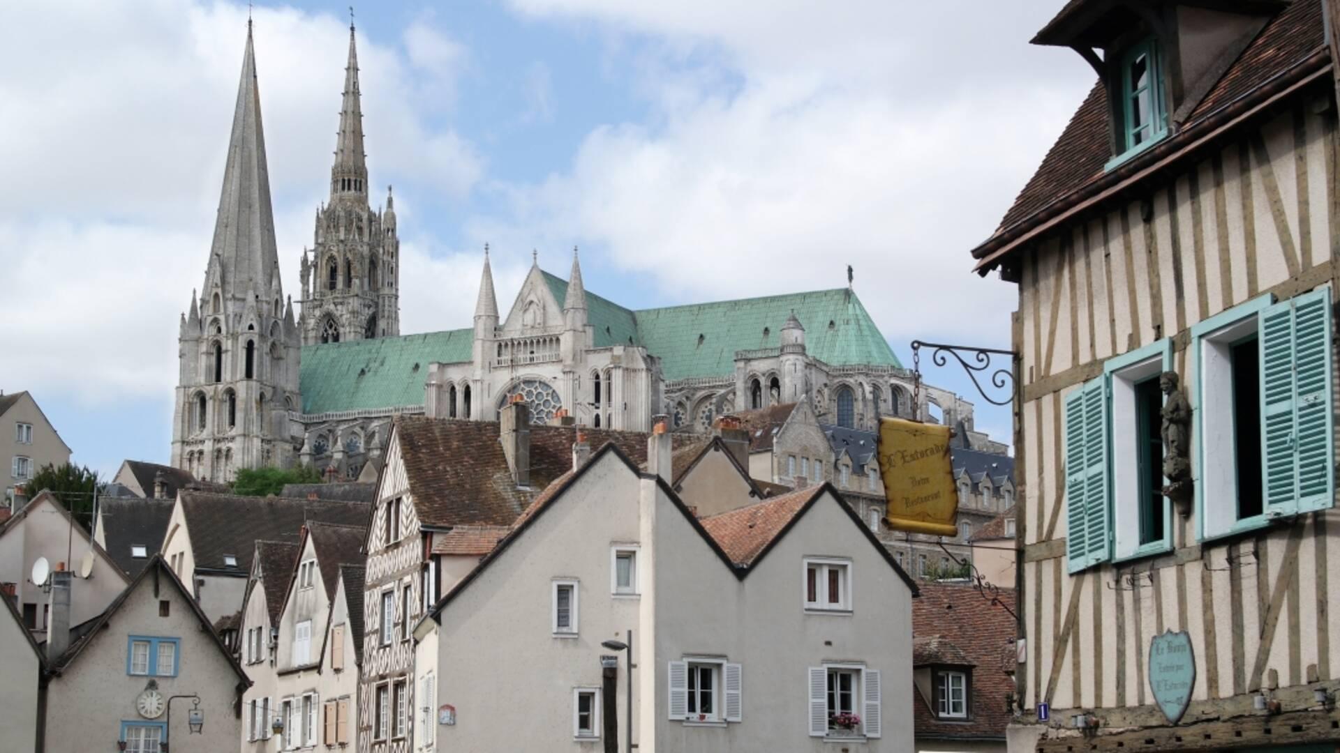 Ville de Chartres depuis la Porte Guillaume